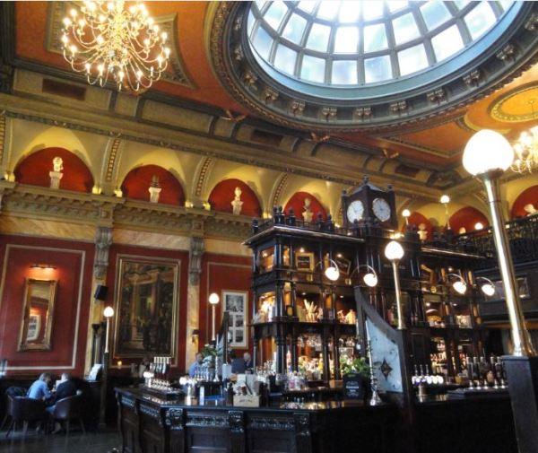 Birmingham. Interior del Old Joint Stock Pub. Foto R.Puig