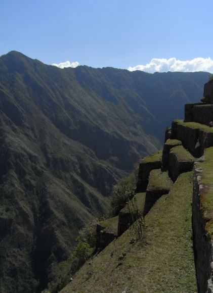 Machu Picchu. Andenerías hacia el abismo. Foto Magnus Puig