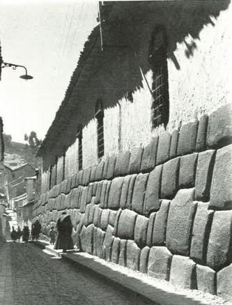 Hatunrumiyoc.Cusco. Foto Manuel Scollo 1950