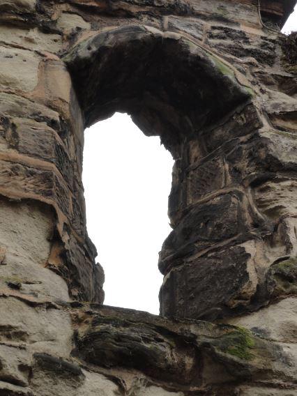 Tronera sobre puerta de entrada den la muralla medieval. Leicester. Foto R.Puig