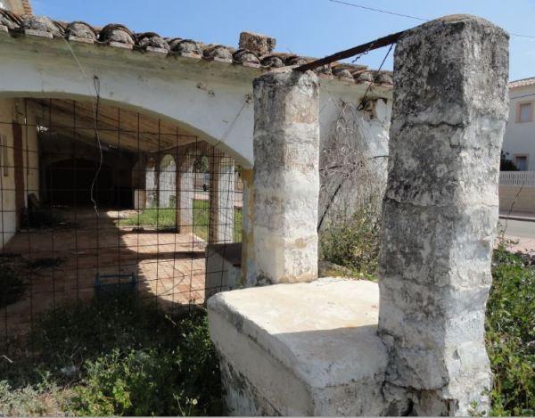 El pozo cegado del Riurau de Els Poblets. Foto R.Puig