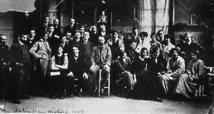 Matisse y sus alumnos en 1909. Fotográfo anónimo. Galería Nacional de Oslo. Foto artnet