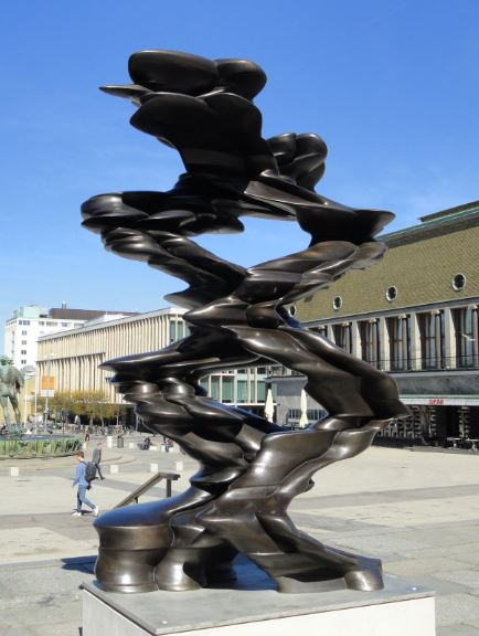 Tony Cragg.  Walks of Life en Götaplatsen.  Göteborg. Abril a Octubre 2015.  Foto R.Puig