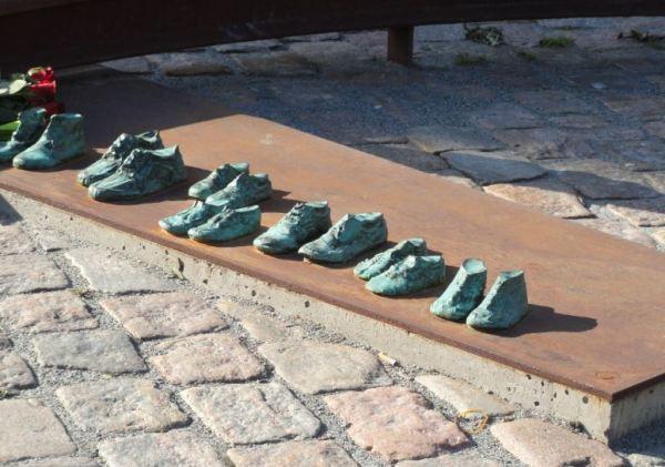 Zapatos de niños. Memorial de las víctimas de los campos de exterminio nazis. Gotemburgo. Foto R.Puig