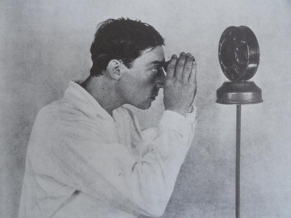 Buster Keaton buscando su voz. Bifur, n.4. Paris, 31 diciembre 1929