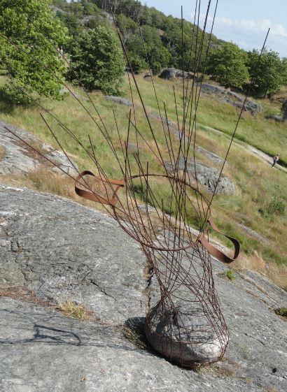 Cesto para piedras. Piedra y hierro. Greger Stahlgren. 2015. Foto R.Puig