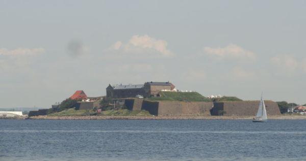 El castillo de Varberg desde el mar. Foto R.Puig
