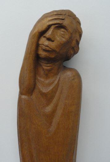 El herido. Ernst Barlach. Roble. Detalle. Friso de los que escuchan 1931 a 1935.Foto R.Puig