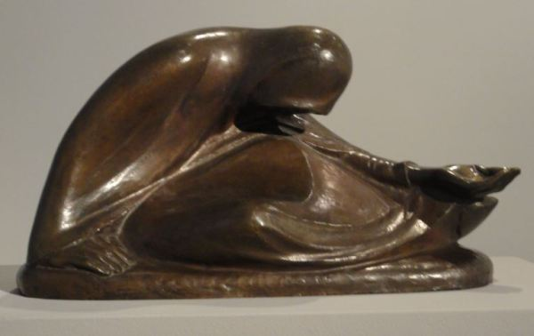 Mendiga rusa. Ernst Barlach. Bronce. 1907. Foto R.Puig