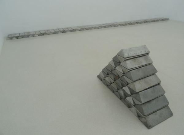 Carl Andre. Base 7. 2008. Lingotes de aluminio. Foto R.Puig