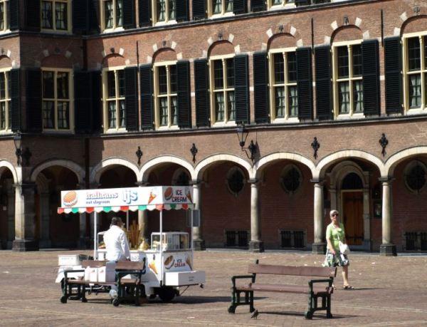 La Haya apacible. Binnenhof. Foto R.Puig