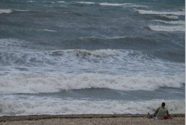 Lo mejor de la playa es cuando no hay nadie. Foto R.Puig