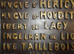 Alcaldía de Falaise. Ibert de Lacy en la lista de los conquistadores de Inglaterra en 1066. Foto R.Puig