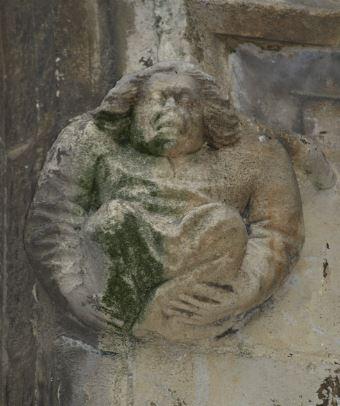 Iglesia de Falaise. Figura de la fachada. Foto R.Puig