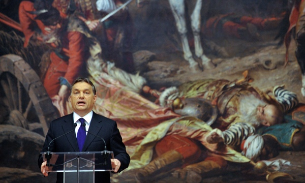 Viktor Orban en la Hungarian national gallery. Fuente: The Guardian