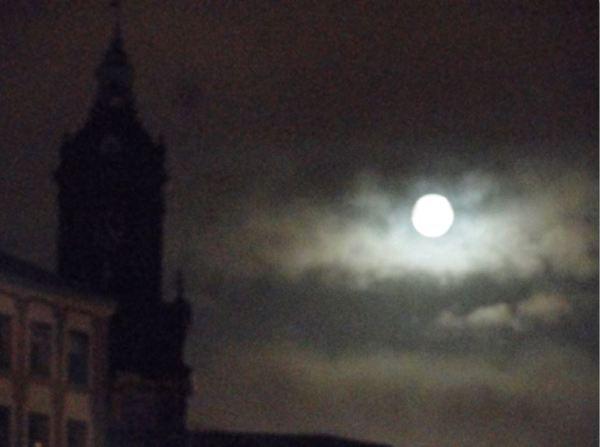 Luna de acuarela. Foto R.Puig