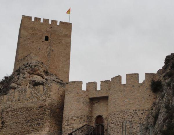 Castillo de Sax. Acceso al recinto. Foto R.Puig