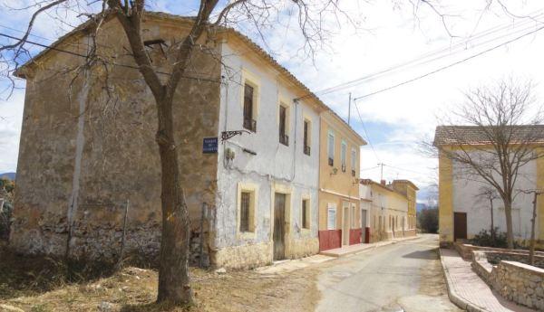 Esquina de la plaza. Santa Eulalia. Foto R.Puig