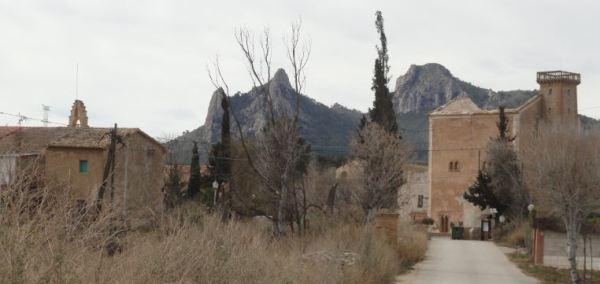 La entrada a la Colonia de Santa Eulalia. Foto R.Puig