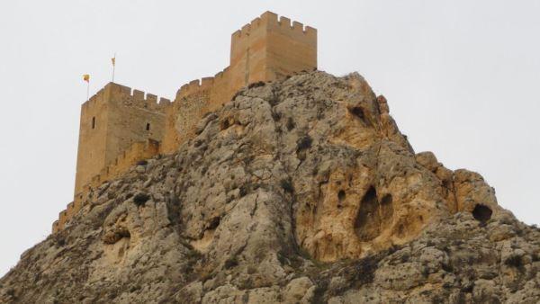 Sax. La peña y el castillo. Vertiente Este. Foto R.Puig