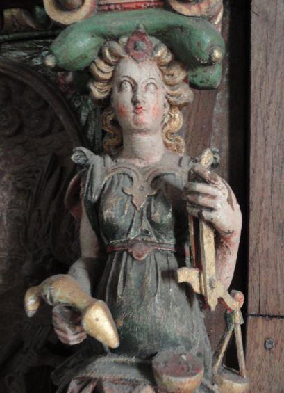 Iglesia de Löderup. Púlpito del XVIII. Alegoría de la Justicia. Foto R.Puig.J