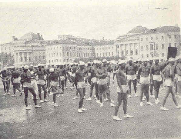 Demostración gimnástica de reclutas en la Plaza Roja. Allan Vougt. Moskva Madrid. Stockholm 1938