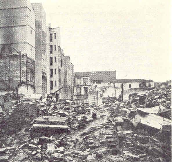 Devastación en el barrio de Argüelles. Madrid. Allan Vougt. Moskva Madrid. Stockholm 1938