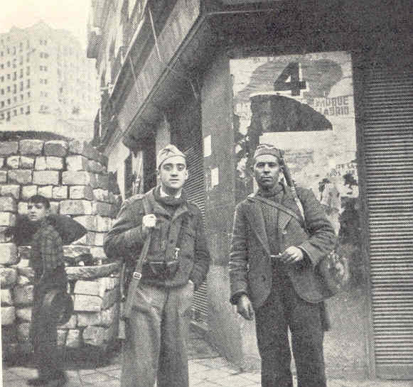 Dos soldados en la calle de Segovia. Madrid. Allan Vougt. Moskva Madrid. Stockholm 1938