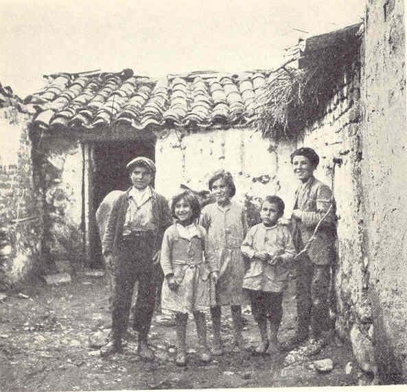 Niños pobres entre Valencia y Madrid. Allan Vougt. Moskva Madrid. Stockholm 1938