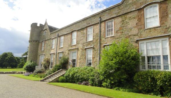 En la fachada posterior del Croft Castle. Foto R.Munro