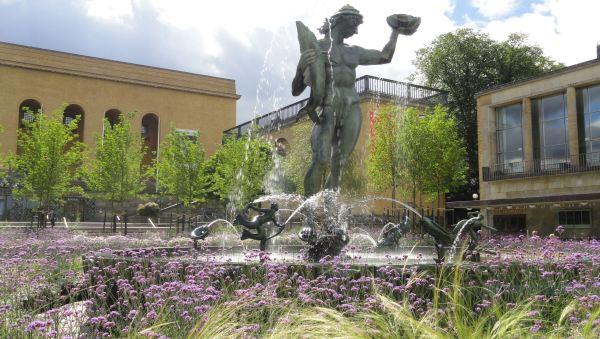 Poseidón en su jardin de verano. Foto R.Puig