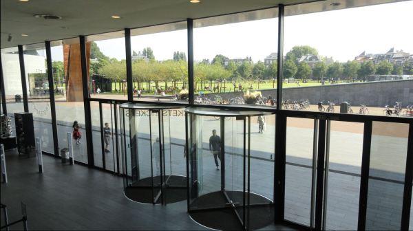 Entrada.  Museo de Arte Moderno. Amsterdam. Foto R.Puig