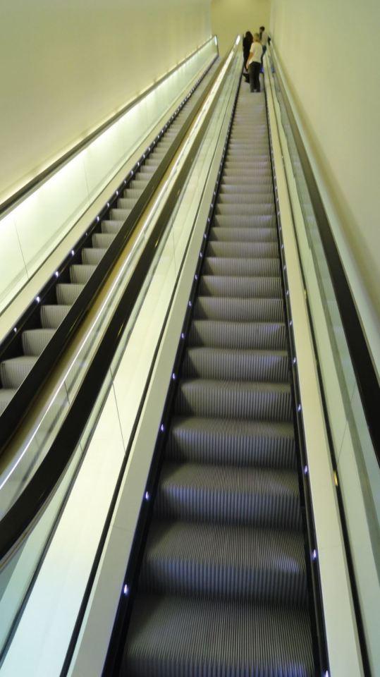 Escalera mecánica. Museo de Arte Moderno. Amsterdam. Foto R.Puig
