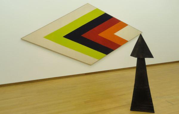 Flecha. Trans West, Kennet Noland y Richard Tuttle, Arrow. 1965-66. Foto R.Puig