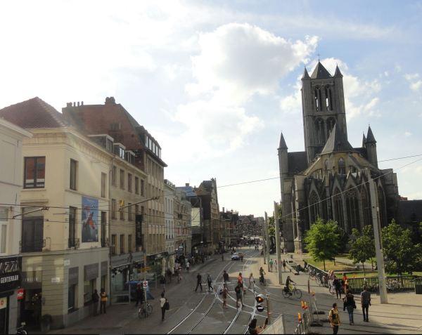 Gante. La iglesia de San Nicolás en la Cataloniestraat.. Foto R.Puig