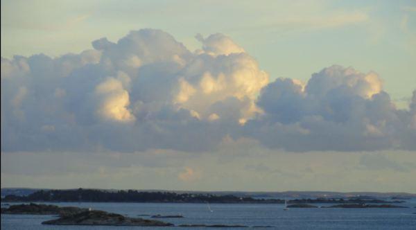Hacia mar abierto. Vista a babor. Foto R.Puig