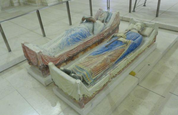 Enrique II de Inglaterra (+1189) y la Reina Leonor de Aquitania (+1204). Abadía de Fontevraud. Foto R.Puig