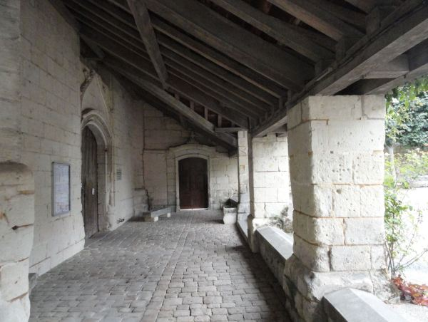 Fontevraud. Nartex externo de la iglesia de San Miguel. Foto R.Puig