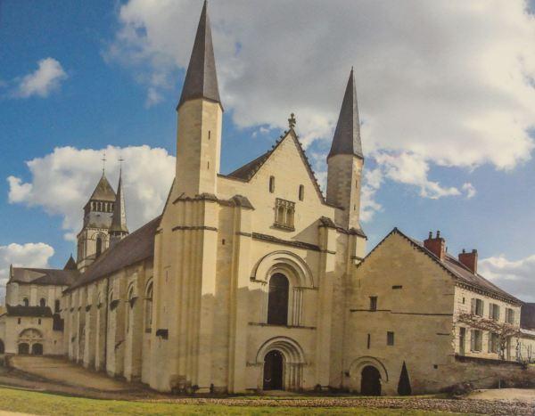 La Abadía de Fontevraud (del folleto oficial)