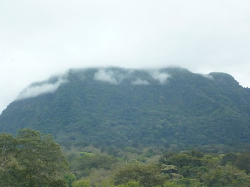 ...es un país de humaredas y de vapor, donde el tiempo ha cesado. Sierra de Otontepec. Foto Kikeforte