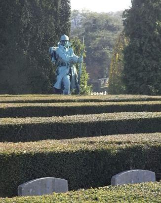 Cementerio de Ixelles. Tumbas de las dos guerras mundiales. Foto R.Puig