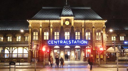 Gotemburgo. Estación Central. 20 de noviembre de anochecida. Foto R.Puig