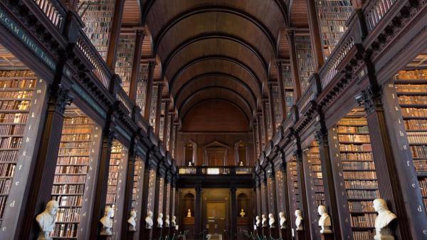 La biblioteca del Trinity College de Dublín. Foto Shutterstock
