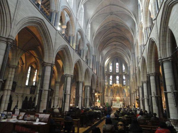 Misa en la parroquia de Saint James. Foto R.Puig