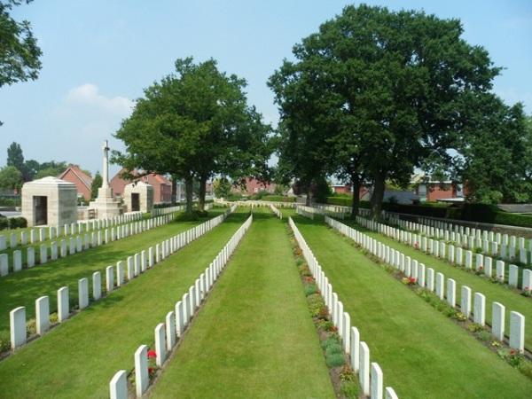 Cementerio de soldados caídos en la I Guerra Mundial en Poperinghe cerca de Ypres
