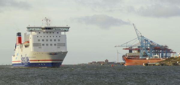 De Dinamarca ha llegado un barco. Foto R.Puig