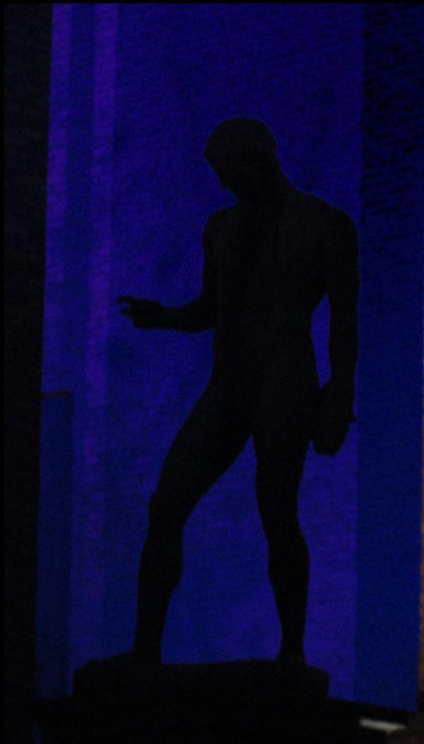 El discóbolo a oscuras. Foto R.Puig