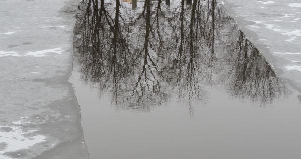 El espejo aguarda. Foto R.Puig