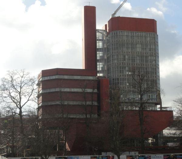 La torre de la Escuela de Ingeniería. Arquitectos James Stirling y James Gowan. Leicester.1963. Foto R.Puig