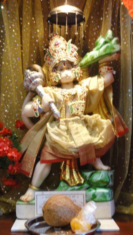 Ofrendas al Pandava Bhima. Leicester. Foto R.Puig
